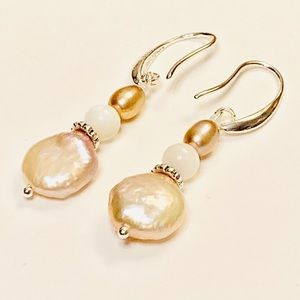 Natural Pearl & White Mother-of-Pearl earrings